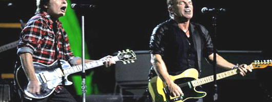 Bruce actua en el Salon de la Fama del Rock