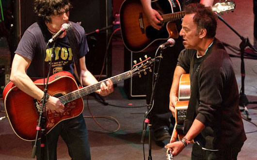 "Springsteen bendice el concierto ""Light Of Day"""